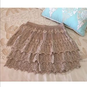 Garnet Hill 2 beige tiered lace skirt embroidered